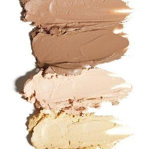 KKW Beauty Makeup - KKW contour kit with blending tool